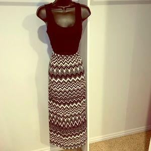 FADED GLORY black and white maxi dress size small